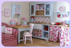 Lovejoy Bears: Inside Mermaid's Cottage dollhouse. Beautiful!