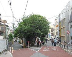 handa: 表参道裏のY字路 (via K.Suzuki)
