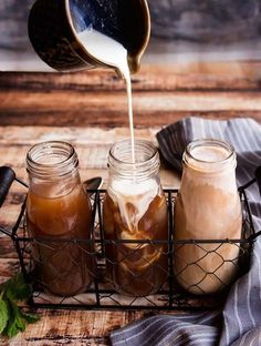 This cold brew coffee is made with fresh mint and hints of cocoa and maple syrup. Refreshing way to welcome in the warmer weather! Cute Coffee Mugs, Coffee Gifts, Great Coffee, Coffee Drinks, Happy Coffee, Coffee Coffee, Restaurant Berlin, Peanuts Nutrition, Healthy Cafe