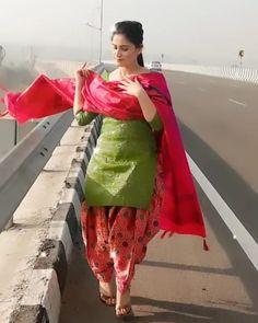 Saree, Photo And Video, Instagram, Designers, Videos, Photos, Fashion, Moda, Pictures