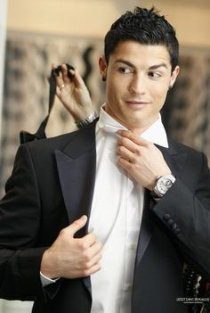 60 Cristiano Ronaldo Haircut Ideas that Are Hair Goals Real Madrid, Cristiano Ronaldo Haircut, Neymar, Messi, Ballon D'or, Soccer Boys, Soccer Stars, Good Soccer Players, Football Players