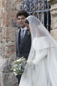 Lady Charlotte Wellesley Marries Alejandro Santo Domingo Surrounded by Royal Guests