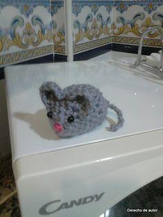 Ratón de amigurumi