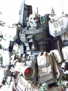 GM Sniper Type Cold District Custom Build with Diorama by Buddhistcycle / Budd a stunning model of an MG GM The modeler used some part. Gunpla Custom, Custom Gundam, Frame Arms Girl, Mecha Anime, Gundam Model, Mobile Suit, Art Model, Plastic Models, Diorama
