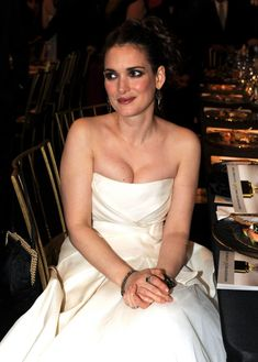 Winona Ryder Hot Topless Sexy Bikini Feet Pictures Young Age Short Hair Hollywood Actresses, Actors & Actresses, Winona Forever, Winona Ryder, Kate Winslet, Famous Women, Famous People, Gal Gadot, Beautiful Celebrities