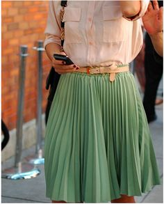 tibipr:    I'm so ready for spring weather and clothing, a friend of mine posted this on her blog, I love the mint pleated skirt with pale peach linen button down.
