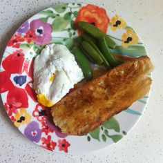 """Buttery toast, poached egg, steamed peas #breakfast { via @freshdirect }"""