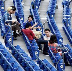 Rock Bands, Gym Equipment, Music, Blue, King, Asian, Musica, Musik, Asian Cat
