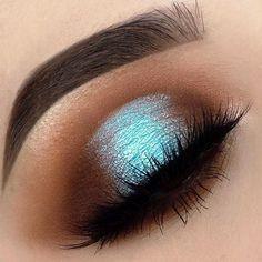 #Repost @heathervenere ・・・  DETAILS: @beautybakeriemakeup Neapolitan EyesCream palette, Sugar Water EyesCream shadow, Dark Brown BROWnies