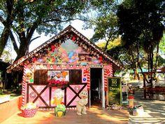 Um dos locais de Serra Negra que faz a alegria das crianças é a Casa dos Ursos. Com deliciosos doces de diversos sabores e espaço totalmente artesanal , é como se estivéssemos dentro de um desenho animado. A casa fica na praça de onde sai o Teleférico.  #casadosursos #serranegra  #visitsouthamerica  #olhar_brasil #mtur #trip #travelgram  #instatravel  #missaovt #guiaserranegrasp #turismo #rotadasaguas#cidadesdobrasil #fotobrasil #destinosbrasileiros #circuitodasaguas #turismopaulista…
