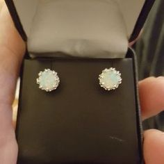 I just discovered this while shopping on Poshmark: 18k White Gold Genuine Opal Studs  2CTW. Check it out! Price: $40 Size: OS