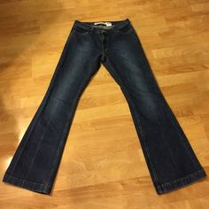 """GAP long & lean dark denim wide leg jeans These beauties have a medium/dark wash, are in excellent condition, and have nice wide legs that give the perfect boho hippie vibe. They have a 32.5"""" inseam and an 8"""" rise in the front. Let me just say that they make your butt look AMAZING! Excellent quality, heavy duty denim (but not too heavy). From the Gap. Tag says size 8, but I feel they run a little small. ALL REASONABLE OFFERS CONSIDERED! GAP Jeans Flare & Wide Leg"""
