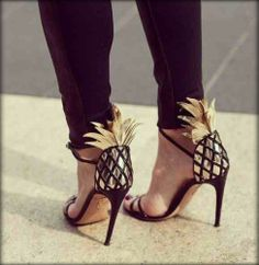 Pineapple high heels - a tropical treat for your feet! Cute Shoes, Me Too Shoes, Josie Loves, Stiletto Heels, High Heels, Sexy Heels, Shoe Boots, Shoes Heels, Peep Toe