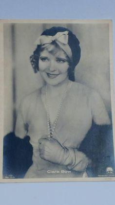 Bekijk dit items in mijn Etsy shop https://www.etsy.com/nl/listing/539530828/antique-clara-bow-postcard-hollywood