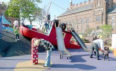 """Barco afundando...  Empresa dinamarquesa cria """"playgrounds"""" inusitados."""
