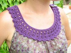 Haut tissu et crochet part 5 par Kaloou - thread&needles Filet Crochet, Col Crochet, Crochet Fabric, Patron Crochet, Crochet Triangle, Irish Crochet, Crochet Collar Pattern, Crochet Lace Collar, Crochet Blouse