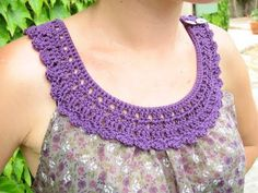 Haut tissu et crochet part 5 par Kaloou - thread&needles Filet Crochet, Col Crochet, Crochet Fabric, Crochet Stitches, Patron Crochet, Crochet Triangle, Irish Crochet, Crochet Collar Pattern, Crochet Lace Collar
