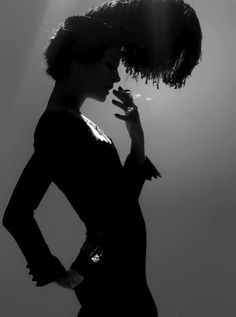 Vogue editorial, Big hat in silhouette. Two things define you. Your patience when you have nothing, and your attitude when you have everything. Vintage Vogue, Vintage Fashion, 1930s Fashion, Vintage Couture, Vintage Style, Vogue Editorial, Editorial Fashion, Cabaret, Vintage Photography