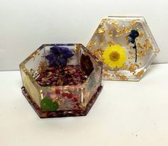 Floral Resin Jewelry Box with Lid | Etsy Resin Jewelry, Jewelry Box, Amazing Decor, Garden Items, Box With Lid, Types Of Flowers, Household Items, Masters, Glass Art