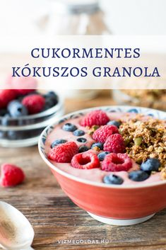 Learn how to easily and quickly make delicious grain-free granola using a variety of nuts and seeds, and toss it into my recipe for yummy, dairy-free smoothie bowls. Fiber Rich Foods, High Fiber Foods, Fiber Diet, Yogurt Smoothies, Good Smoothies, Made In Heaven, Whole Food Recipes, Diet Recipes, Healthy Recipes