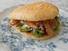 Kebab, pide a focaccia - Recept Hamburger, Chicken, Ethnic Recipes, Food, Box Lunches, Essen, Burgers, Meals, Yemek