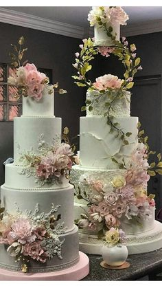 very beautiful wedding cakes for your happy wedding 29 Amazing Wedding Cakes, Elegant Wedding Cakes, Elegant Cakes, Cake Boss Wedding, Fondant Wedding Cakes, Buttercream Wedding Cake, Wedding Cupcakes, Wedding Cake Decorations, Wedding Cake Designs