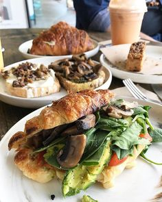 Fully loaded croissant from @thepresscronulla the other day  Could definitely go for one of those right now  . . . . . . #croissants #vegetariancafe #ilovetheshire #sydneyeats #sydneyfoodie #cronullaeats #cronulla #thepress #cronullacafe #croissantsandwich #mushroomlover #avocadolover #brunch #food #zomatoaus