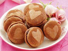 Schoko-Makronen - süße Geschenkidee | Zeit: 20 Min. | http://eatsmarter.de/rezepte/schoko-makronen-1