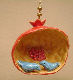 Clay Art Projects, Clay Crafts, Pomegranate Art, Pastel Home Decor, Grenades, Jewish Art, Fruit Art, Mural Art, Paper Mache