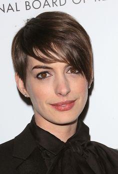 Anne Hathaway Short Hair | POPSUGAR Beauty