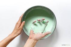 una ricetta per realizzare lo slime in casa, ma senza il borace. Così sarà atossico e adatto anche ai bimbi più piccoli