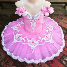 Our ballerina outfit compilation is filled with fantastic ideas for the indicates and performances. Ballet Tutu, Ballet Dance, Ballet Shoes, Tutu Costumes, Ballet Costumes, Ballet Pictures, Dance Outfits, Ladies Dress Design, Leotards