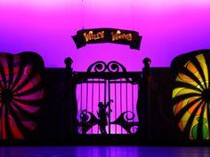 Hills on Stage Presents 'Willy Wonka Junior' Charlie Chocolate Factory, Wonka Chocolate Factory, Stage Set Design, Set Design Theatre, Children's Theatre, Willy Wonka, Concert Stage Design, Dance Themes, Haunted Attractions