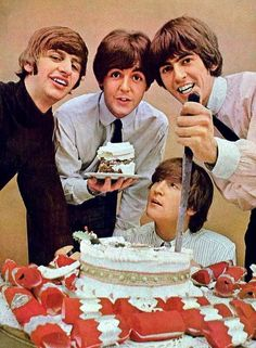 Richard Starkey, Paul McCartney, John Lennon, and George Harrison Beatles Party, Beatles Birthday, Happy Birthday Me, Birthday Greetings, Birthday Cake, Birthday Wishes, Birthday Stuff, Foto Beatles, Beatles Love