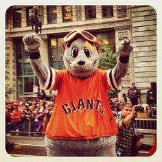 Mascot Lou Seal at today's #SFGiants parade.
