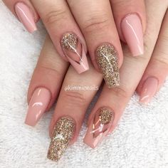 Nude pink & champagne #naglar #nagelkär #nagelteknolog #naglarstockholm #nagelförlängning #uvgele #gele #gelenaglar #gelnails #nails #nailart #nailswag #nailfreak #lillynails #nailfashion #nailpassion #nailobession #nailextensions #dope #dopenails #blingnails #passion #love #kimmienails #hudabeauty