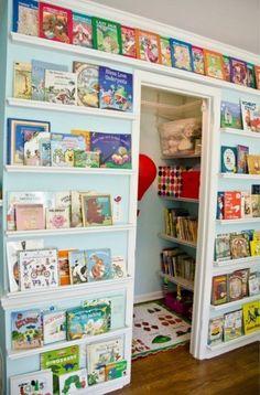 28 grandes ideas e ideas para organizar su vivero - Kinder zimmer - Decor Ideas Habitaciones, Travel Nursery, Library Wall, Mini Library, Library Ideas, Closet Library, Library Ladder, Reading Library, Ideas Para Organizar
