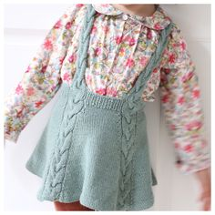 / Easy enough twirly skirt! (norwegian and english) Enkelt nok snurreskjørt! / Easy enough twirly skirt! (norwegian and english) Knitting For Kids, Baby Knitting Patterns, Ravelry, Knit Baby Dress, Baby Skirt, Knit Skirt, Crochet Baby, Kids Outfits, Kids Fashion