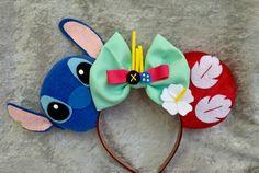 Lilo and Stitch Themed Mouse Ears - Disney! - Lilo and Stitch Themed Mouse Ears - Disney! Disney Diy, Diy Disney Ears, Disney Mickey Ears, Disney Bows, Disney Crafts, Disney Ideas, Disney Outfits, Disney Ears Headband, Disney Headbands