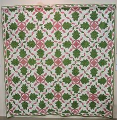 Wagon Wheel and Oak Leaf quilt, pre-1860, Poos Collection. 2015 Tokyo International Quilt Festival.  Photo by Julie Fukuda, My Quilt Diary