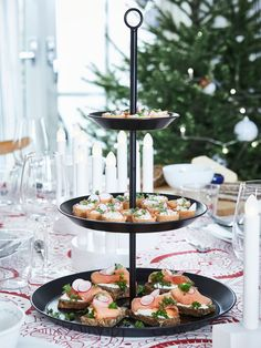 IKEA - VINTERFEST, Serving stand, 3 tiers, black, Wash this product before using it for the first time. Old Plates, Plates And Bowls, Comment Dresser Une Table, Ikea Christmas, Christmas 2019, Christmas Feeling, Ikea Interior, Ikea Family, Tasty Bites