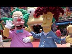 Bob Patiño y Krusty interactúan con visitantes en Fast Food Boulevard - Springfield - Universal Studios. Vía Canal Youtube Inside the Magic