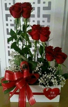 #Nilofark07 Valentine's Day Flower Arrangements, Beautiful Rose Flowers, Valentines Flowers, Luxury Flowers, Balloon Flowers, Deco Floral, Funeral Flowers, Flower Wallpaper, Floral Centerpieces