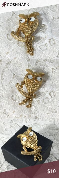 Vintage AVON Googly Eyes Dangle Tail Goldtone Owl Smaller goldtone owl on branch, googly moving eyes, dangle 3 chains tail.  Too Cute!!       Vintage Jewelry Brooches