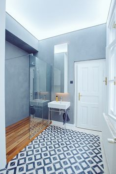 geometric kibo tiles in koool bathroom Bratislava, Marrakesh, Bathroom Flooring, Cement, Master Bath, Tiles, Bathtub, Lights, Mirror