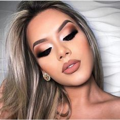 Sexy And Fresh Makeup Looks You Will Love; Makeup Looks; Fresh Makeup Looks; Fresh Makeup Look, Glam Makeup Look, Cute Makeup, Prom Makeup, Gorgeous Makeup, Hair Makeup, Glamorous Makeup, Sexy Wedding Makeup, Homecoming Makeup