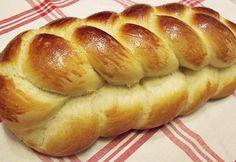 Citromhab: Foszlós fonott kalács Hungarian Desserts, Hungarian Cuisine, Hungarian Recipes, Hungarian Food, Pastry Recipes, Bread Recipes, Cooking Recipes, Baking And Pastry, Bread Baking