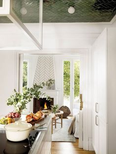 〚 Centennial villa with a small garden in the heart of Madrid 〛 #interiordesign #homedecor #idea #inspiration #cozy #Living #space #style #interior decor #home #design #green #ceiling #tiles Rustic Design, Modern Design, Living Room Designs, Living Spaces, California Living, Marble Fireplaces, Furniture Restoration, Diy Kitchen, Kitchen Ideas