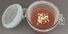 Helt uovertruffen chokolademousse med en intens smag af mørk chokolade og en dejlig luftig konsistens.
