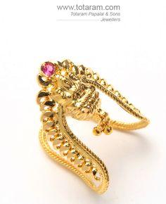 Vanki Designs Jewellery, Gold Mangalsutra Designs, Gold Jewellery Design, Gold Rings Jewelry, Gold Jewelry Simple, Diamond Jewelry, Gold Ring Designs, Gold Earrings Designs, Vanki Ring
